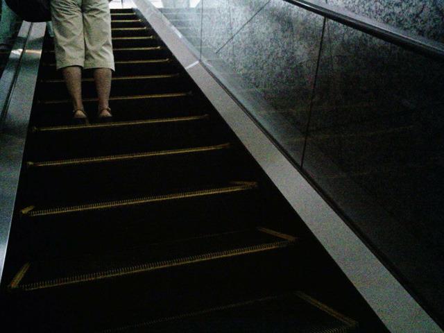 クライマックス 西新宿駅のエスカレーター 心拍数 144