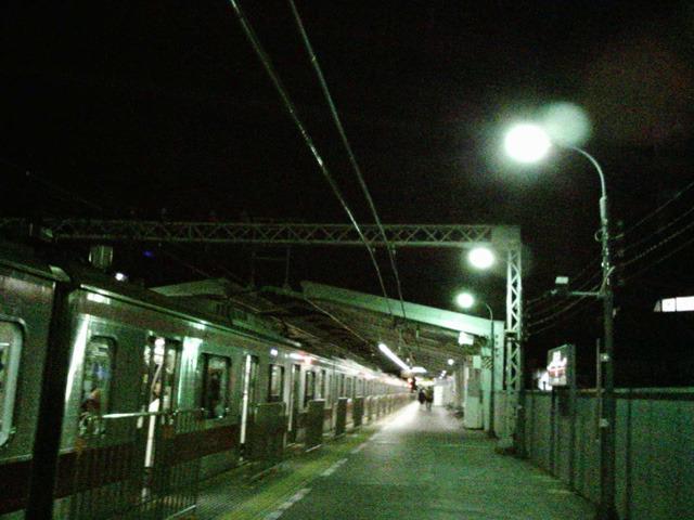クライマックス 21:42 心拍数128 夜の駅