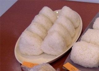 6位は会場提供者の鈴木陽々さん。米は熊本産の森のくまさんという銘柄だそう。水少なめの炊飯器炊き。固めが私好みだった。