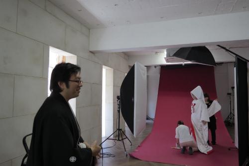 テキパキと動くカメラマンさんをぼんやり見つめる私