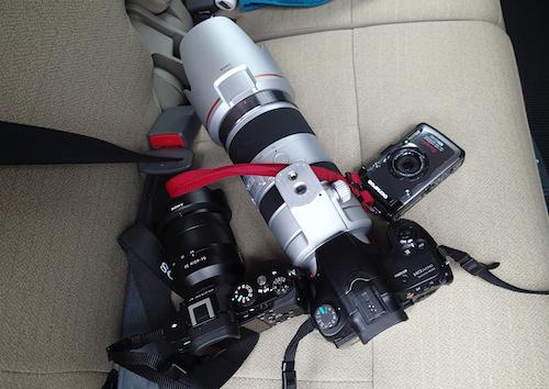 どんどん増えていくカメラ。宿の人に「すごい装備ですねー」と言われたが、このうち2台は充電機を忘れたためにすぐ使い物にならなくなったことは内緒だ。