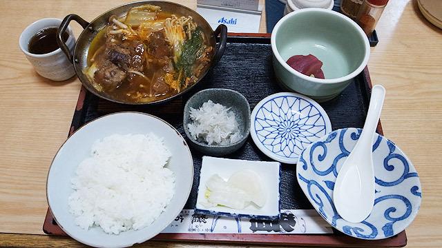 パイカ鍋定食(700円)