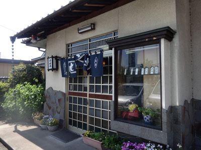 最後は「むさしや」(埼玉県比企郡川島町戸守381-1)さんで。こちらも地元密着型のお店。