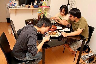 友人たちにも好評だった。この後数日間は食卓がアカマンボウ尽くしになるわけだが。