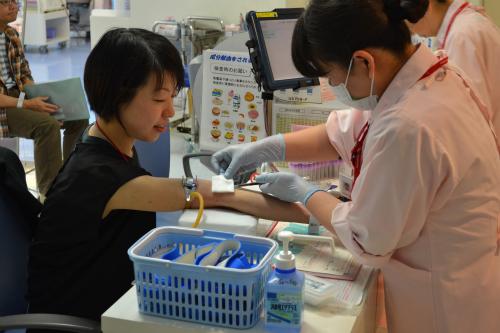 まずは検査の採血