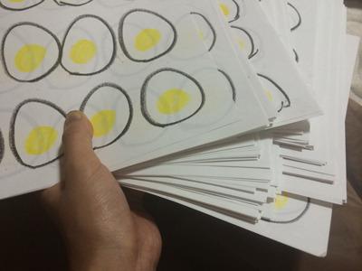 紙のくせに、わりと重みがあります。