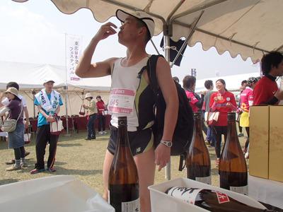 まあ、ランナーは酒飲みが多いですからね。酒フェスティバルやっていようが、やっていまいが走り終れば飲む!