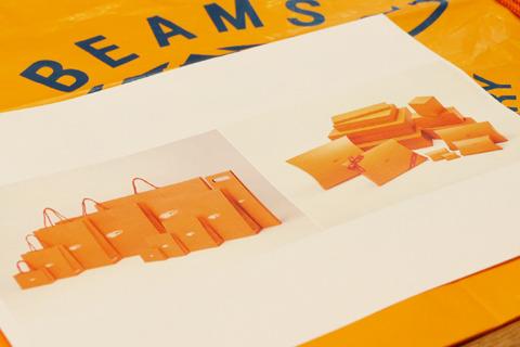 2006年にショッピングバッグは今のものに統一された