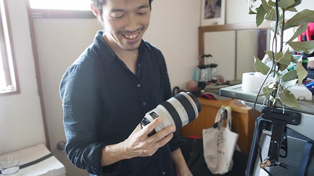 そんな彼の職業はカメラマンさんでした。
