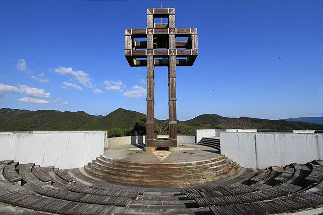 十字架のモニュメントがある展望台となっていた。