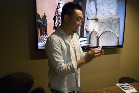 どんな仏像を置いたらいいか、松川さんにアドバイスを仰いだ