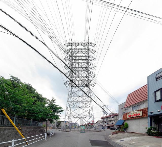 これも「鉄ラ」。鉄塔がダイナミック!宝塚市。場所はここ</a>。