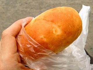 ミルクロール(40円)