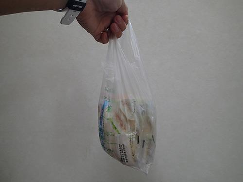 コンビニのいちばん小さい袋にランチパックが5個入る。
