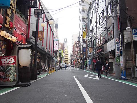 恵比寿駅前の商店街は糖分はゼロ。