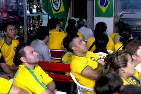 ……かと思えば、ブラジルに点が入ったら