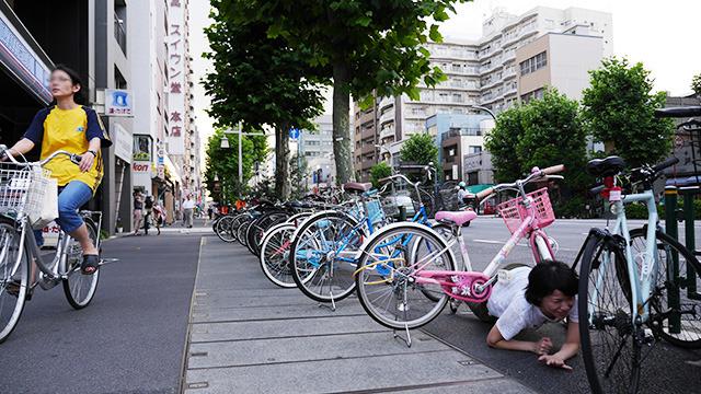 ピンクの自転車は恋愛運アップだ