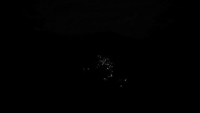夜の小菅村(光のない部分がほとんど、その光も少ない)
