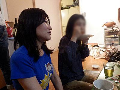 現地で会った日本人サポーターたちに「え、女性二人ですか!勇気ありますね!」と言われまくったそうです。女性もいるにはいるけれど、男子入りのグループで来ている人がほとんどだって。
