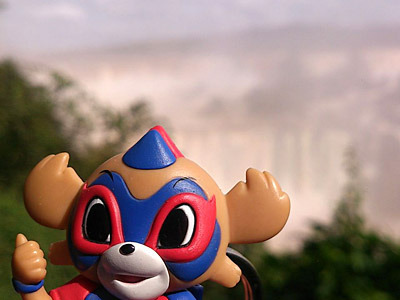 S子さんが持ってきたFC東京のキャラクター、東京ドロンパ。オバケのQ太郎以外にもドロンパっているのか。。
