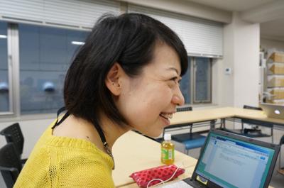 と、興奮する増田さんの写真を載せようと探したが、そのときの私のほうが余計にうれしそうに話を聞いていた