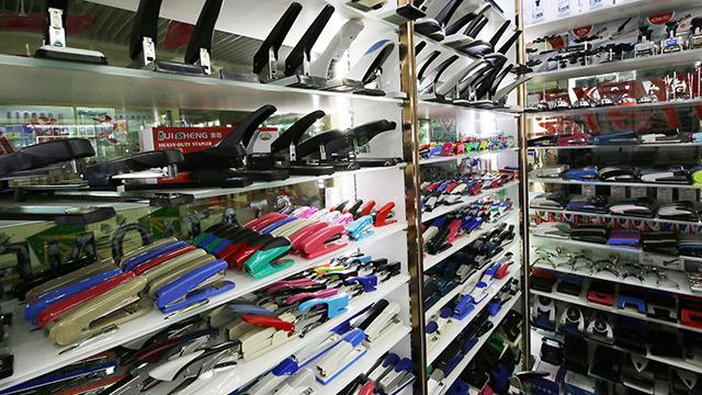 広大すぎる中国の文具卸売市場に潜入してきました。