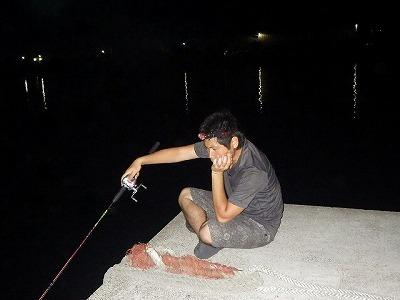駆除後の海で釣りをしてみるも…。