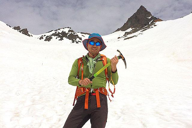 上高地から槍沢を経て山頂へ。槍沢ロッジと槍ヶ岳山荘に泊まった2泊3日のコース。雪はまだまだ残っていた。