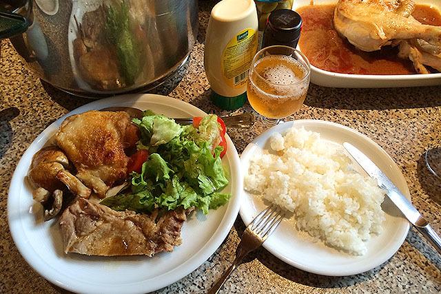 なんとコシヒカリが売られていた。タイ米も買って食べたが安くて美味かった。自炊すれば食費はかなり浮く(外食はかなり高い)。