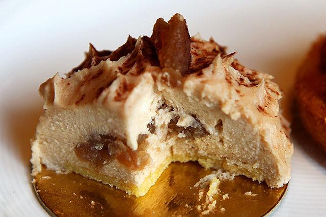 バター風味の栗クリームが特徴的。