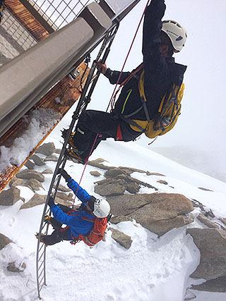 コスミック稜で一番恐いのがこのはしごだ。