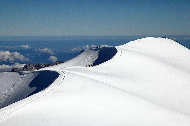 砂丘みたいですが雪原です。多分ドーム・デュ・グーテのちょっと下。