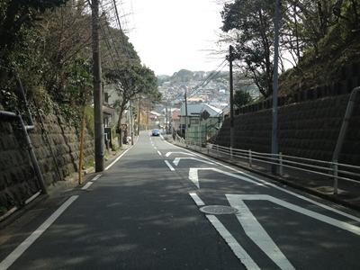 岡村周辺には長そうな坂が散見する