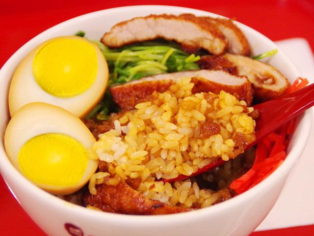 まずは魯肉飯として。石川県産の米との組み合わせは本場台湾を超えるのではないだろうか。