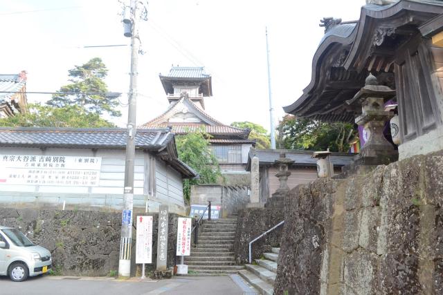 東西本願寺の別院が立ち並ぶ