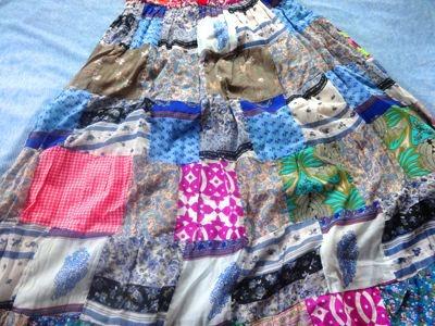 HBというブランドのスカートが700円で売ってた……。そりゃ買いますよ。