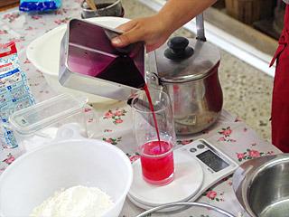氷見には稲積梅という在来種の梅があるそうで、それで作った梅干しの梅酢を用意していただいた。
