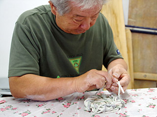 ふらっと来ていたおっちゃんが、慣れた手つきでうどんを編みだして驚いた。