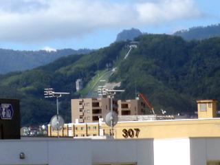 スキーのジャンプ台が見えた。さすが札幌!