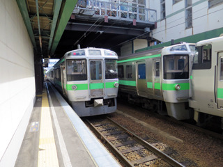 札幌から乗ってきた電車とはここでお別れ