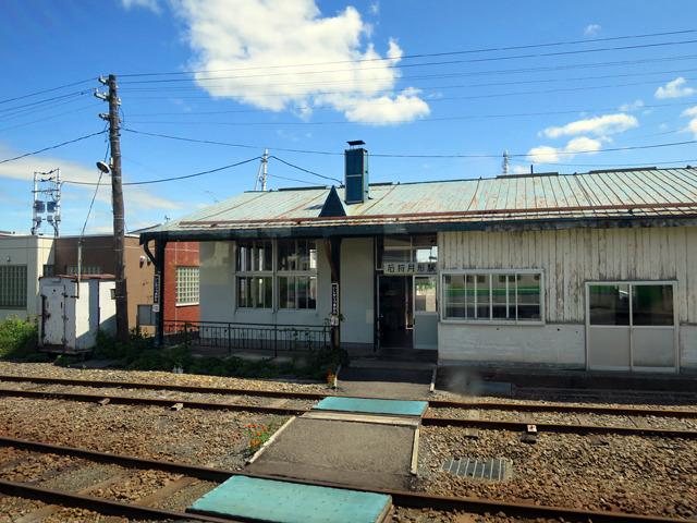 かと思えばこんな昔ながらの駅舎が残っていたり