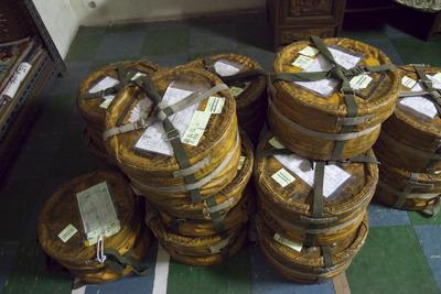 月にこれだけのフィルムが送られてくる