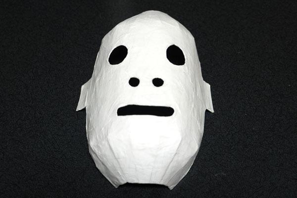 これで仮面部分は大体完成なんですが……う、うん……