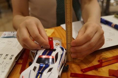 パーツを付けた状態の高さを確認。公式ルールは60mm以内。