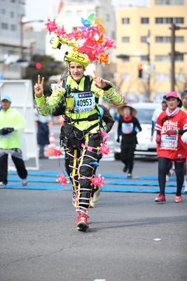 今ではこの姿でフルマラソンも走ります。