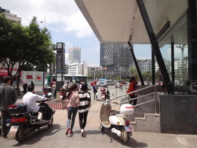 なんだか地下鉄までできて、中国の端っことは思えないほど近代化したのだった
