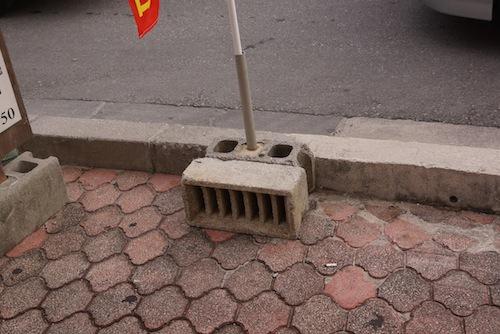 沖縄で発見。サポートブロックがかっこいい。ロールス・ロイスと呼ぼう。