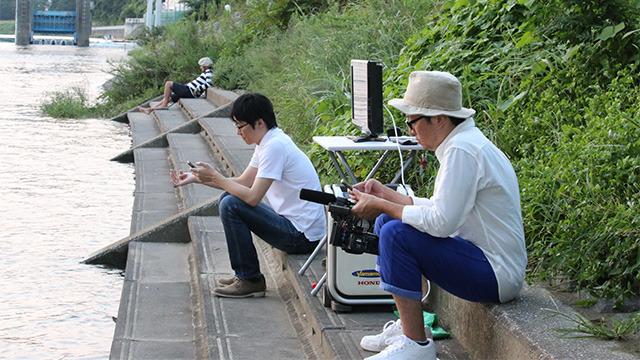 東京)………