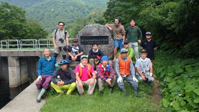 山形県の奥地にある大鳥池に潜むといわれている、伝説の巨大魚タキタロウの調査隊に参加してきました。