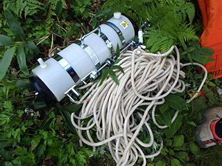 水を汲むための取水器。これに計器やカメラをつけることで、温度や映像を一緒に記録していく。